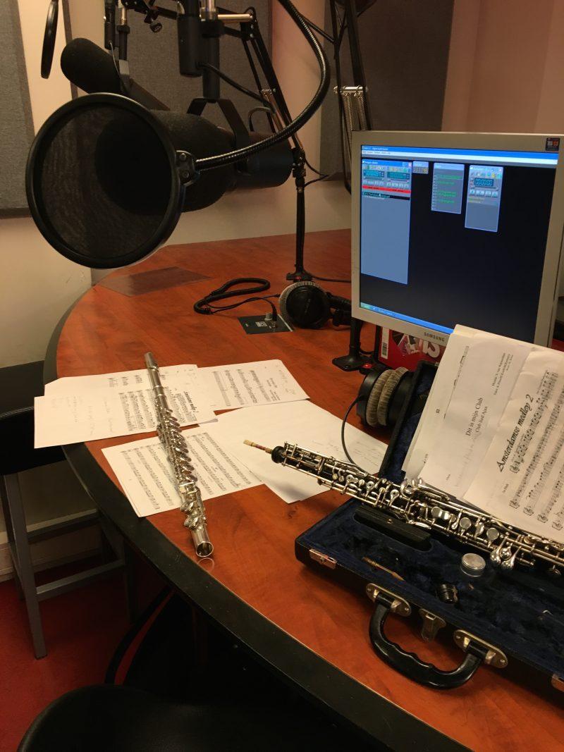 Westerharmonie op de radio van de HvA Amsterdam met fluit, trompet, hobo en baritonsaxofoon